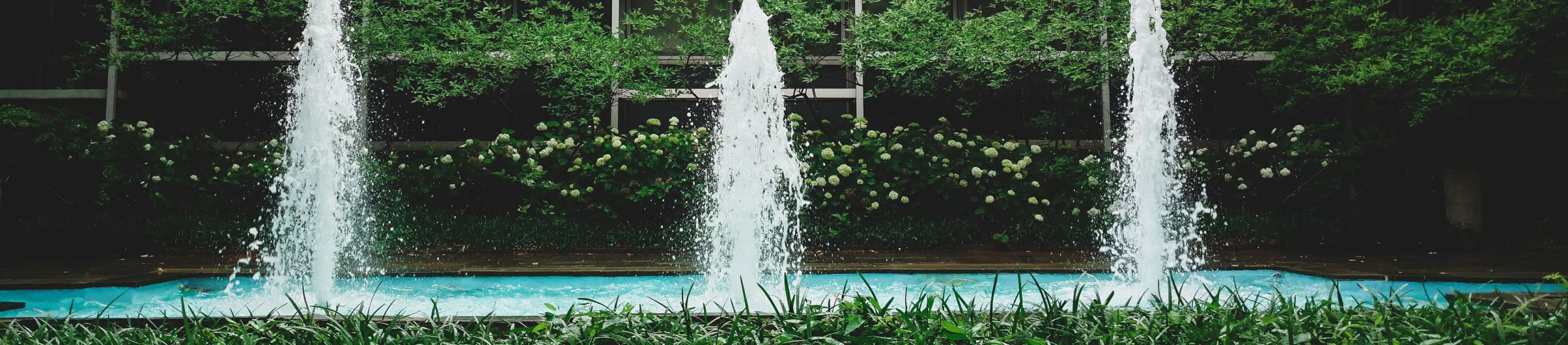 landscaper-water-feature-hero-background