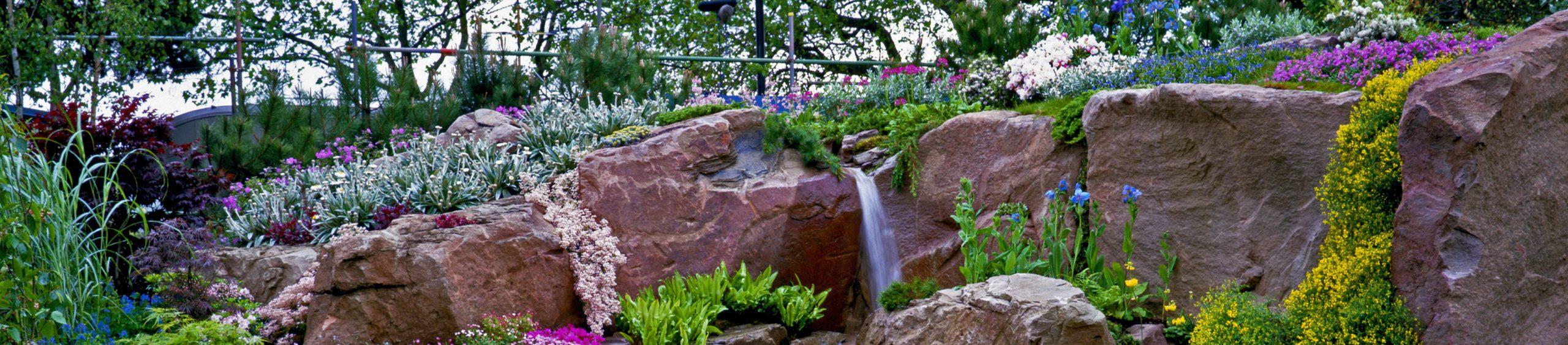 landscaper-bricks-rockery-hero-background-new